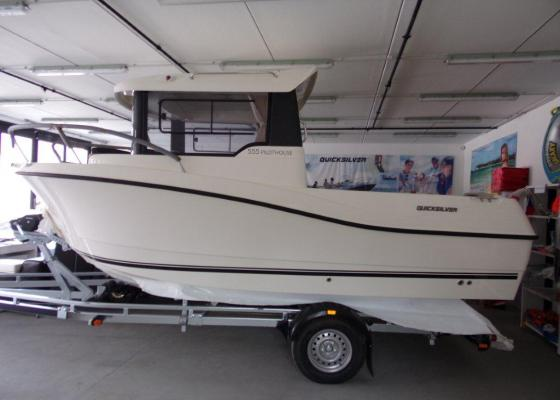 Lodě | QUICKSILVER CAPTUR 555 PILOTHOUSE + MERCURY F 100 EFI ELPT